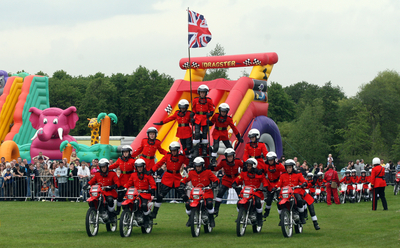 Image of a pyramid of people on bikes